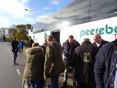 Bus aankomst Thialf2