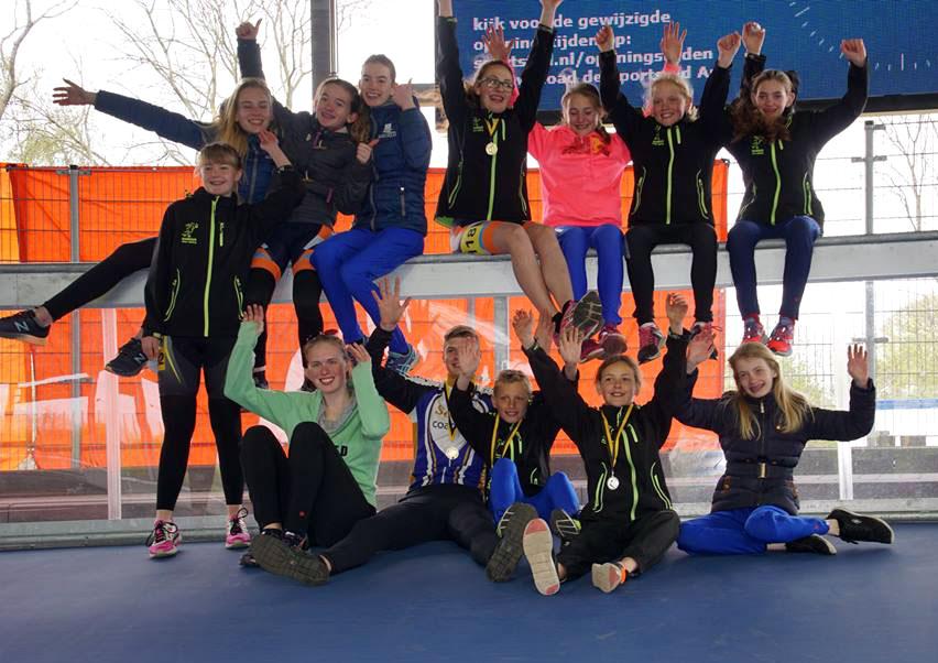 Een groepsfoto na een wedstrijd in Heerenveen