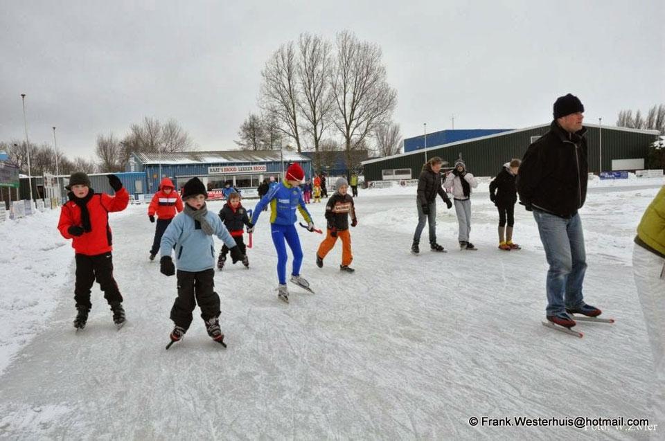 Zo ziet de skeelerbaan in Medemblik eruit in winterse tijden