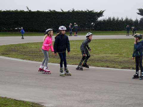 Veel jonge skaters maakten de ronde van 150 meter