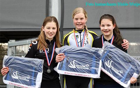 Janne Berkhout 1e eindklassement kadetten meisjes (foto: Instaschaats Hidde Muije)
