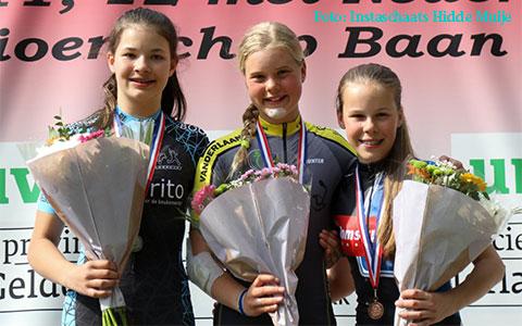 Podium puntenkoers kadetten meisjes: Janne Berkhout 1e (foto: Instaschaats Hidde Muije)