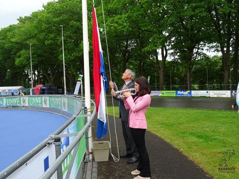 De vlag wordt gehesen, het NK kan beginnen!