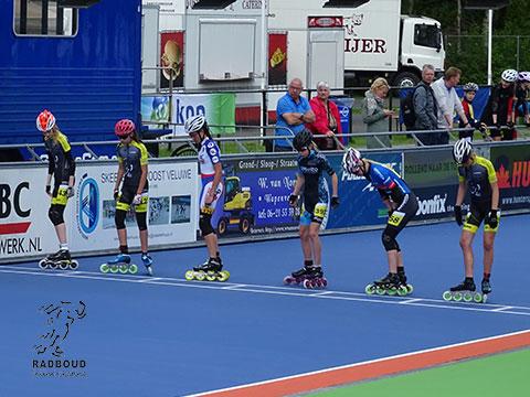 Kadetten meisjes a/d start 1000m series