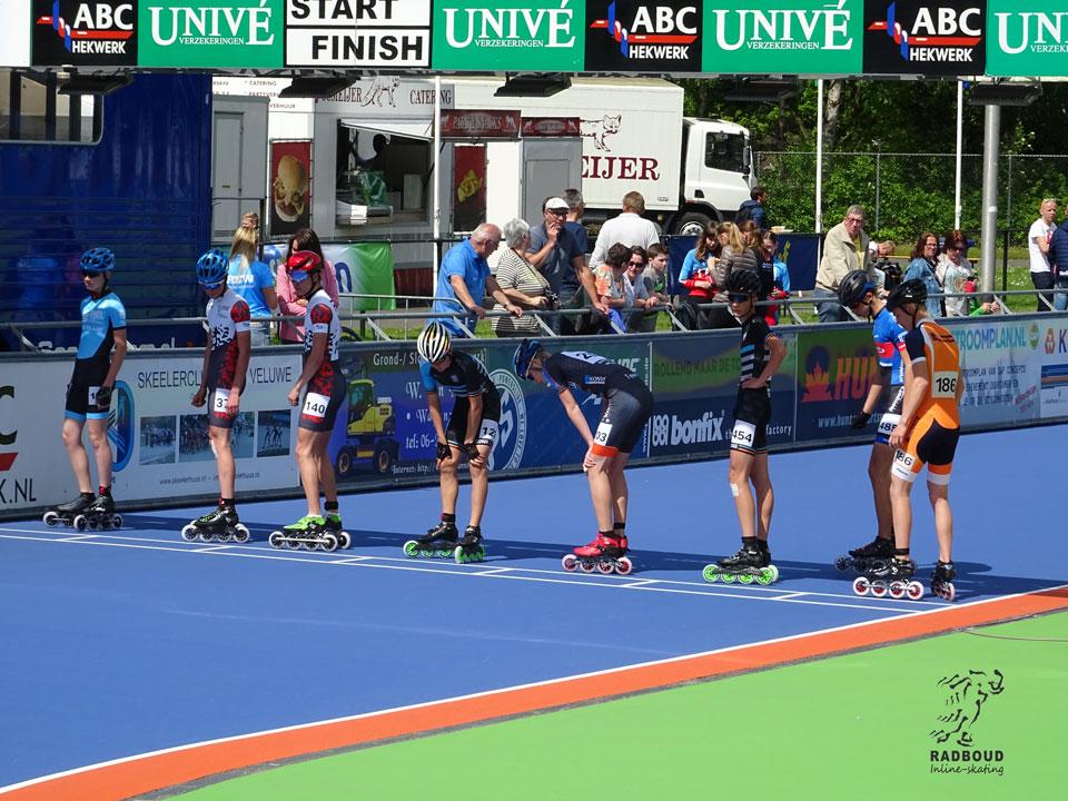 jun. b heren a/d start 1000m met Ivo de la Porte, Daan Berkhout en Luuk van Timmeren