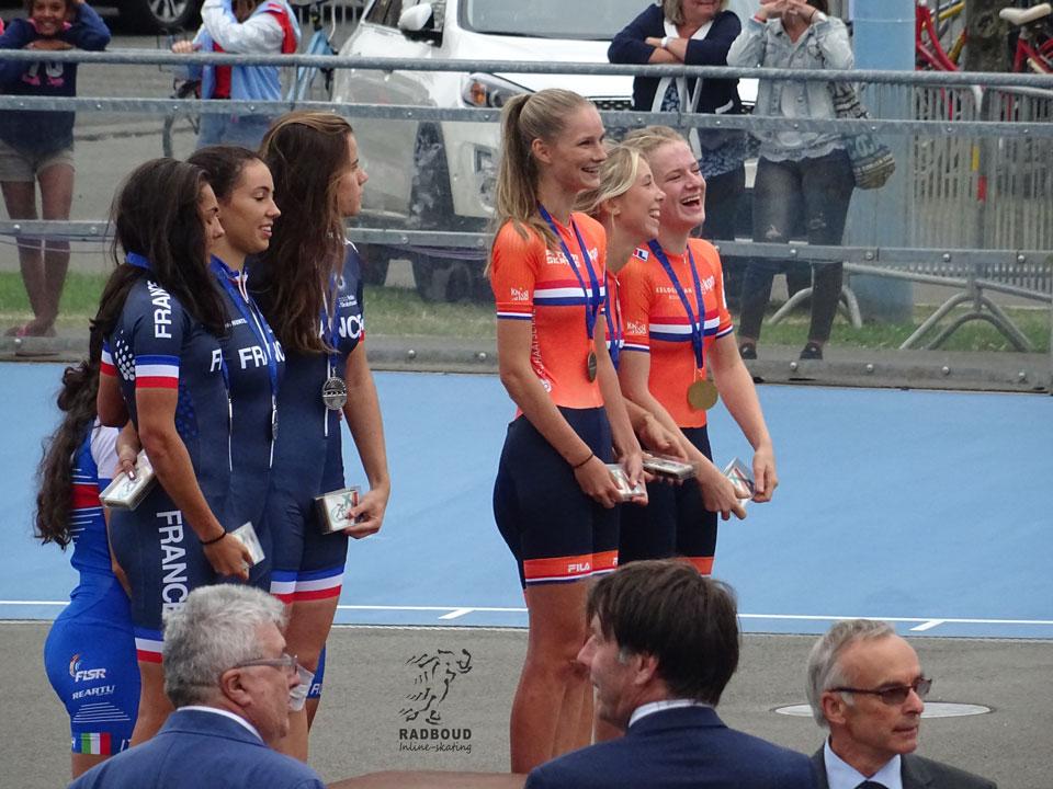 Brons voor NL met de junioren ladies, van Radboud Anna van den Bos en Bente Kerkhoff